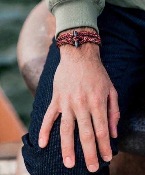 Rode Pig&Hen armband